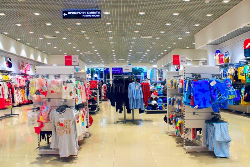 Download Tienda de diversa ropa imagen de archivo editorial. Imagen de mercancías - 100535329