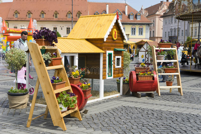 Tienda de flores adornada en Sibiu Rumania fotos de archivo