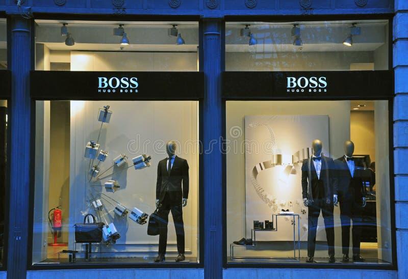 Tienda de Hugo Boss en Lisboa imagen de archivo libre de regalías