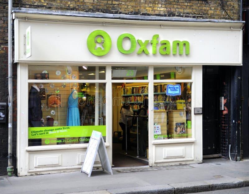 Tienda de la caridad de Oxfam imagen de archivo libre de regalías