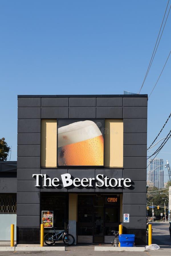 Tienda de la cerveza de Canadá fotografía de archivo libre de regalías