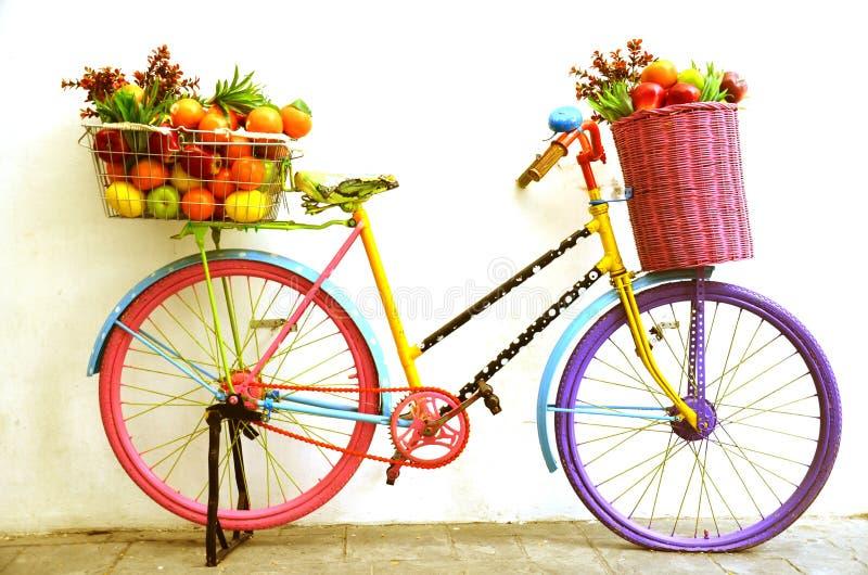 Tienda de la fruta de la bicicleta fotografía de archivo
