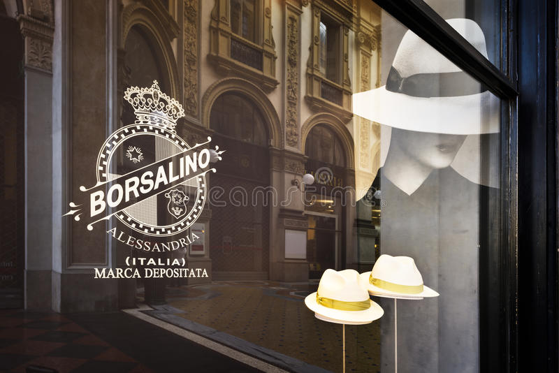 tienda de la moda en Milán fotografía de archivo