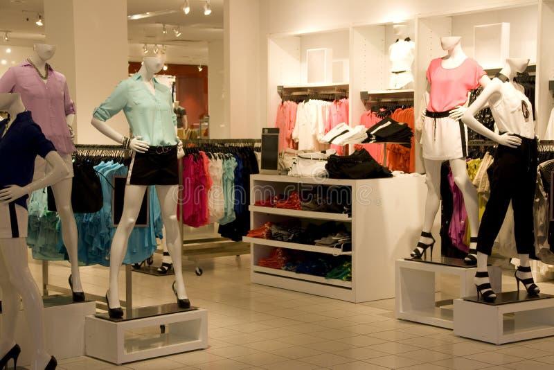Tienda de la ropa de moda fotografía de archivo