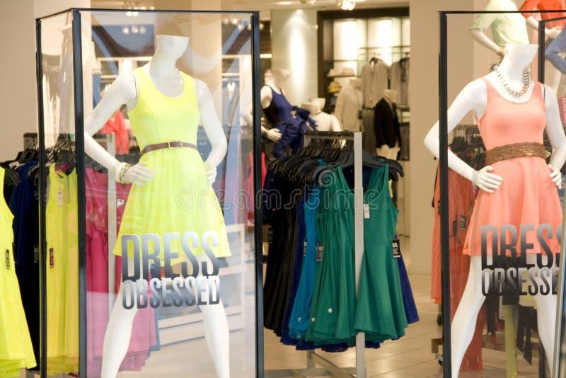 Tienda de la ropa de moda de la mujer fotografía de archivo