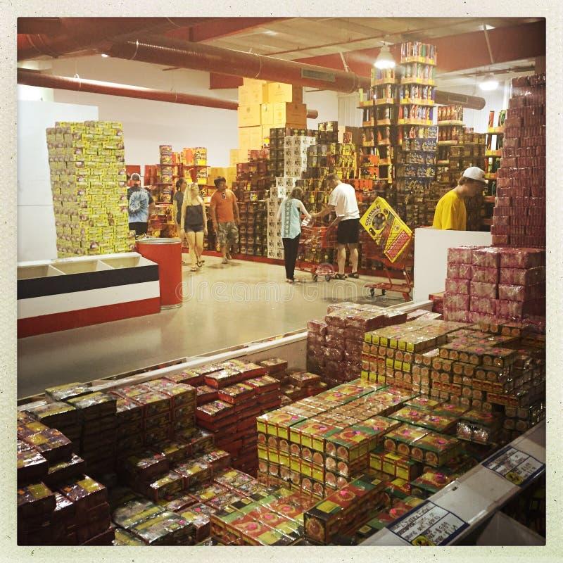 Tienda de los fuegos artificiales de Warehouse imagenes de archivo