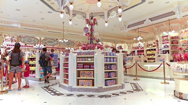 Tienda de los regalos y de los dulces en Disneyland Hong-Kong fotografía de archivo libre de regalías