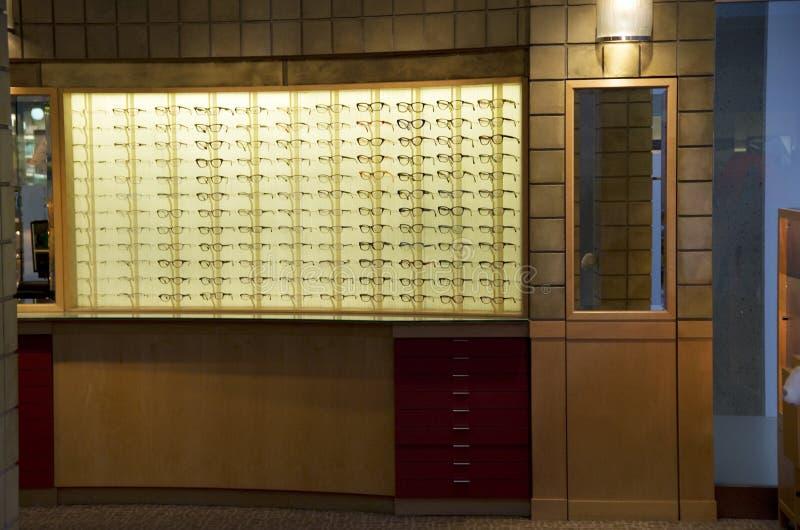 Tienda de los vidrios ópticos fotografía de archivo