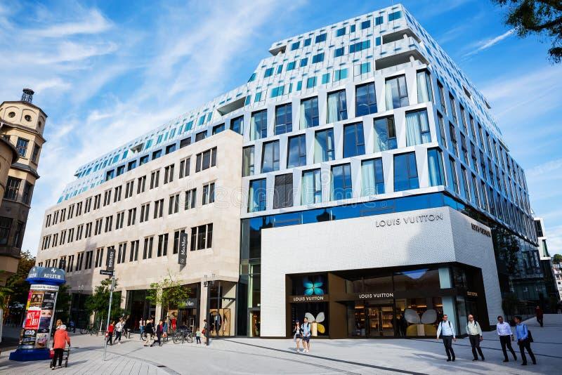Tienda de Louis Vuitton en Stuttgart, Alemania foto de archivo