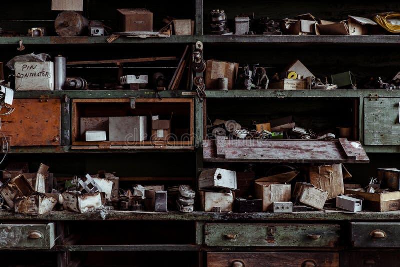 Tienda de máquina - Avellano-Atlas Glass Company - que rueda, Virginia Occidental imagenes de archivo