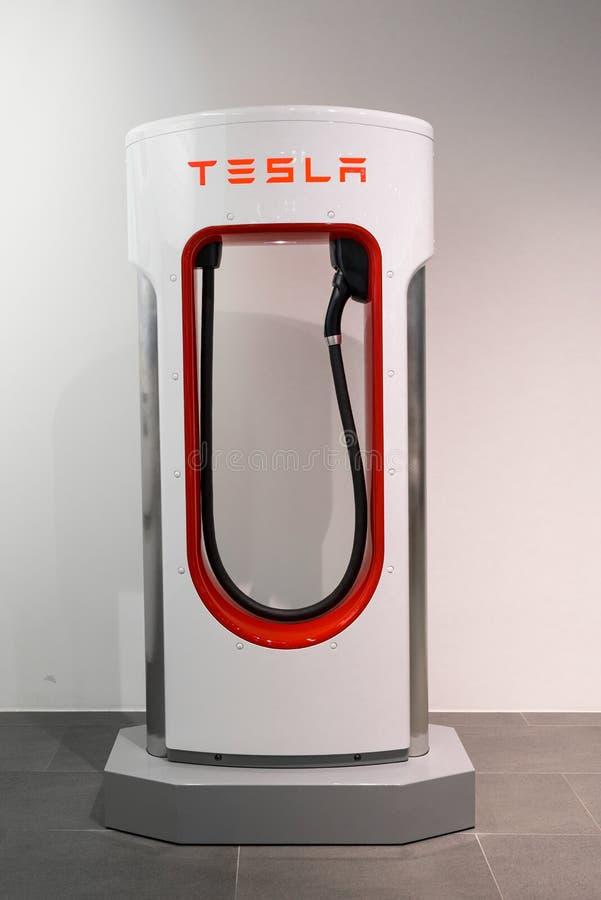 Tienda de máquina de Tesla en Francfort foto de archivo
