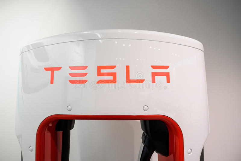 Tienda de máquina de Tesla en Francfort imágenes de archivo libres de regalías