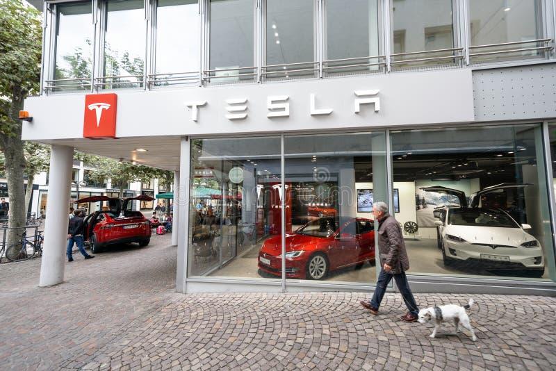 Tienda de máquina de Tesla en Francfort fotografía de archivo
