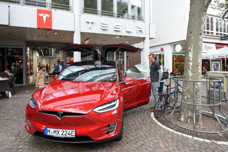 Tienda de máquina de Tesla en Francfort foto de archivo libre de regalías