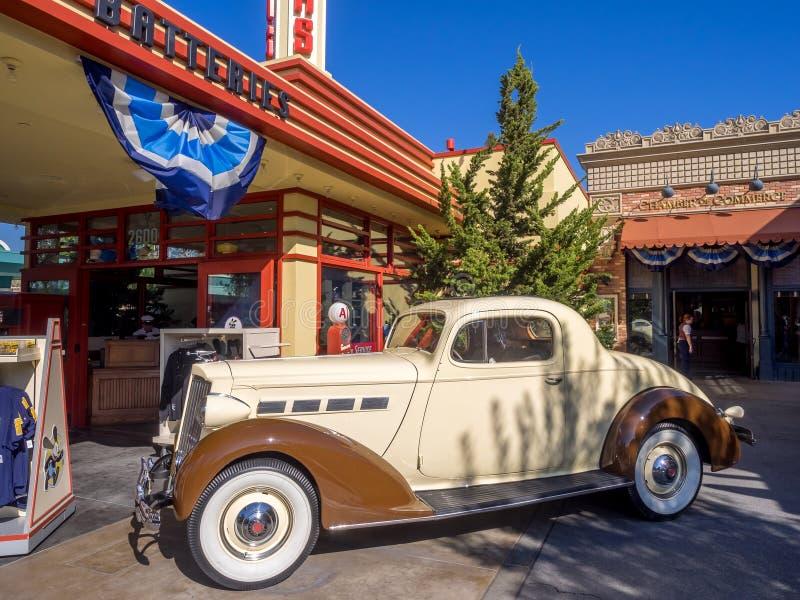 Tienda de regalos de los neumáticos de Oswald en Disney foto de archivo