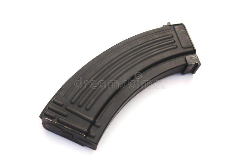 tienda de rifle de asalto Kalashnikov con fondo blanco imagen de archivo