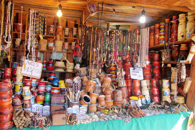 Tienda de souvenirs de Suramérica imagen de archivo