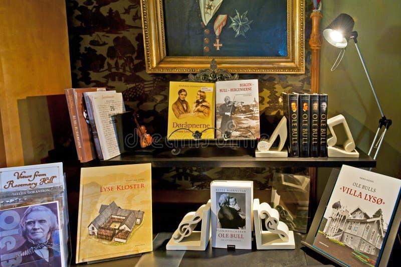 Tienda de souvenirs en el chalet de Ole Bull del virtuoso del violín en la isla de Lysoen, Bergen fotos de archivo libres de regalías