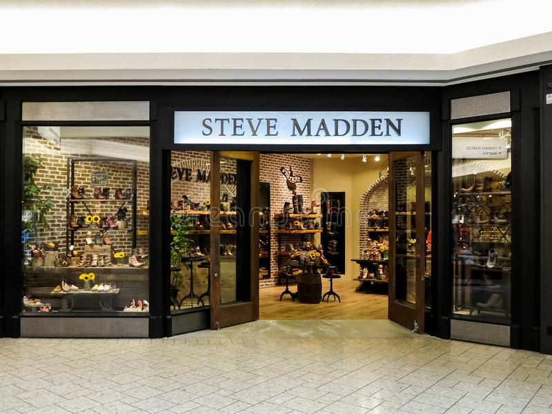 Tienda de Steve Madden foto de archivo
