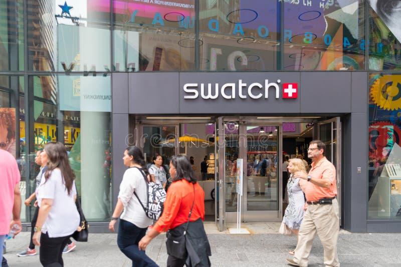 Tienda de Swatch en New York City, Times Square imagenes de archivo