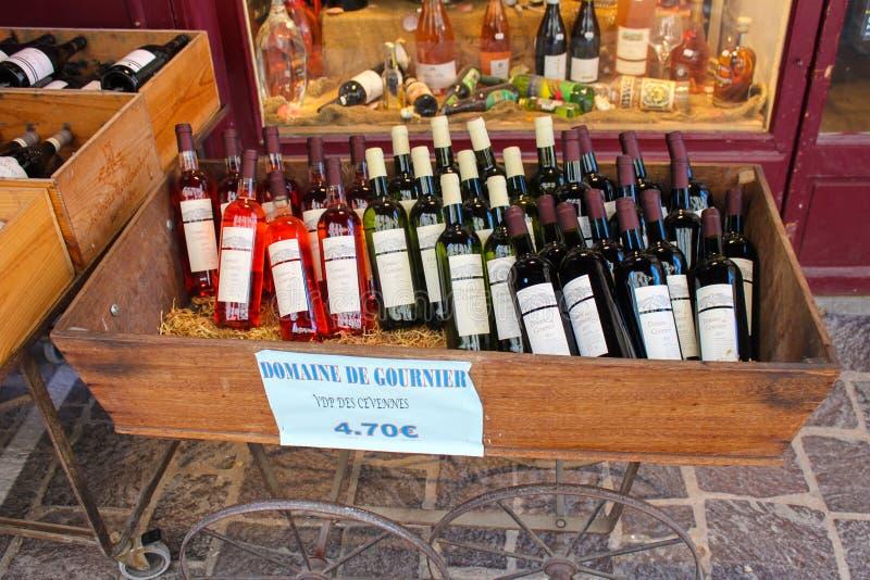 Tienda de vino francés foto de archivo libre de regalías
