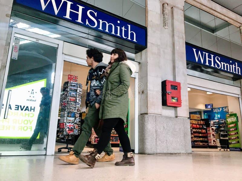 Tienda de WHSmith imagen de archivo libre de regalías
