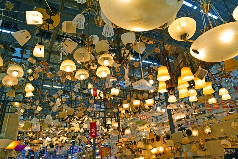 Tienda del producto de la iluminación imagen de archivo