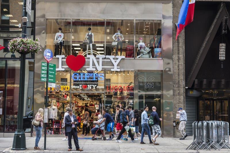 Tienda del regalo y del equipaje en New York City, los E.E.U.U. imágenes de archivo libres de regalías