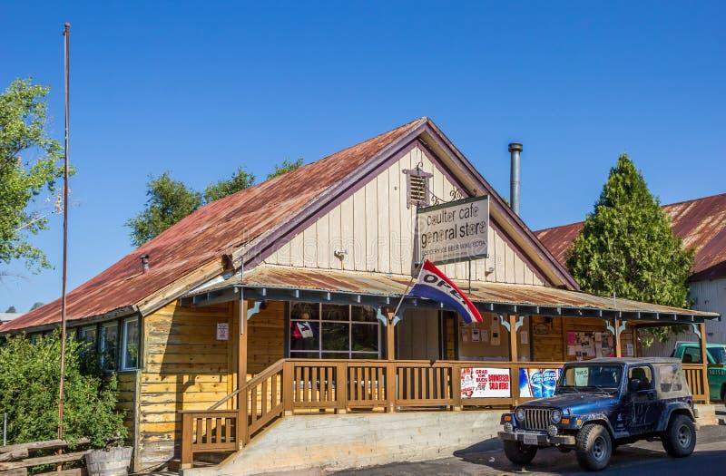 Tienda general en Coulterville, California foto de archivo
