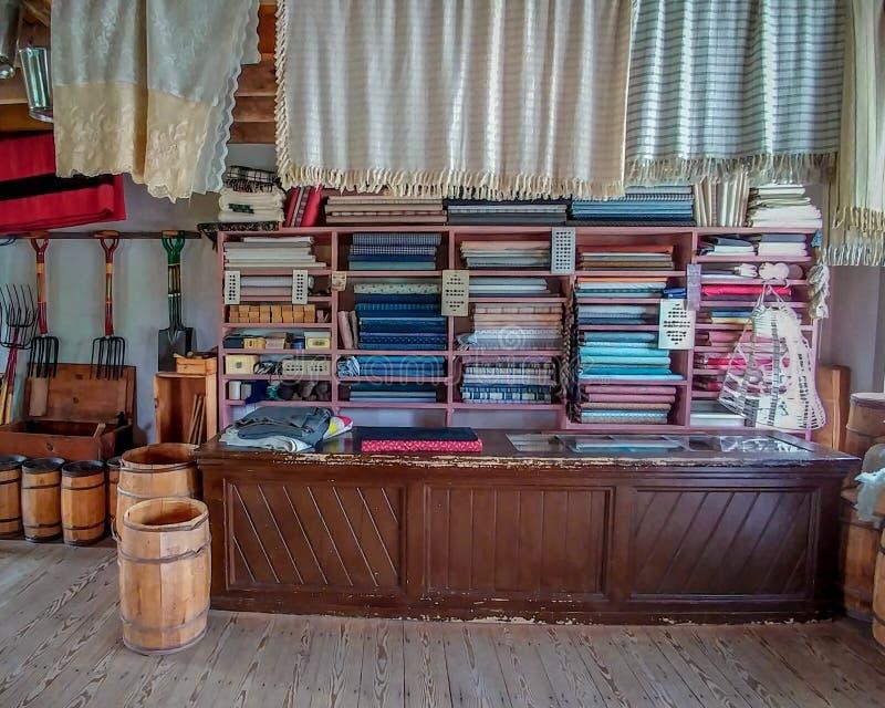 Tienda general pasada de moda - Viejo Mundo Wisconsin imagen de archivo libre de regalías