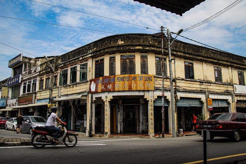 Tienda histórica vieja en la esquina de la calle de Bukit Mertajam fotografía de archivo