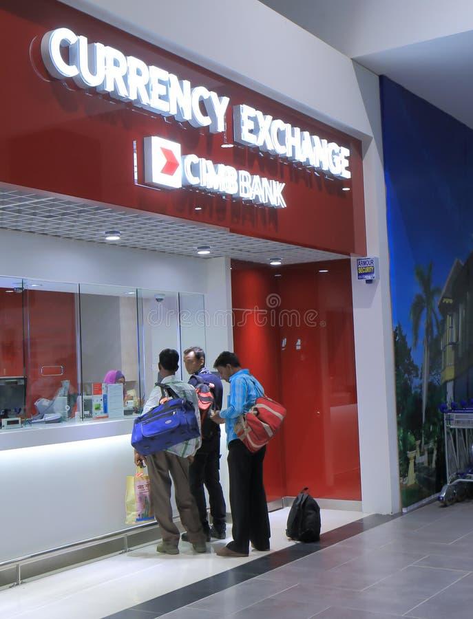 Download Tienda Malasia Del Intercambio De Moneda Foto editorial - Imagen de currency, gente: 42429601