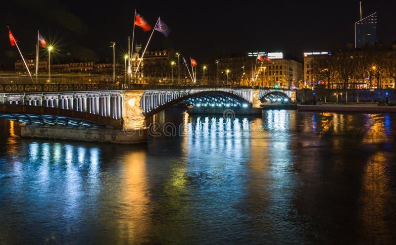 Tienda un puente sobre sobre el río Rhone 5 foto de archivo