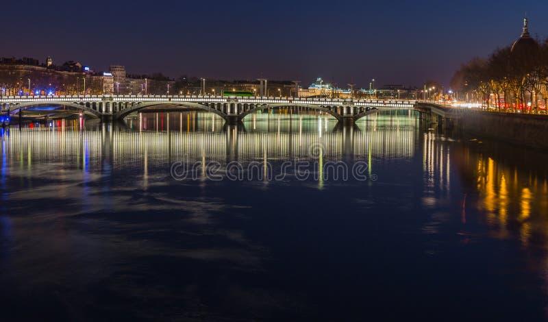 Tienda un puente sobre sobre el río Rhone 7 foto de archivo libre de regalías