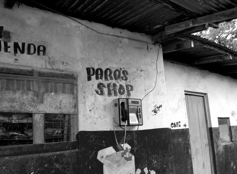 Tienda vieja en la isla imagenes de archivo