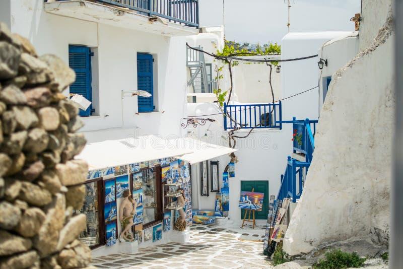 Tiendas de souvenirs en Mykonos imagenes de archivo