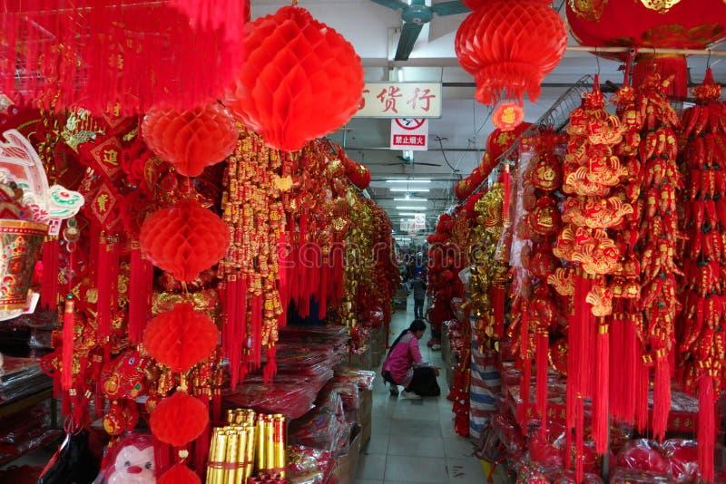 Tiendas típicas del chino imagenes de archivo