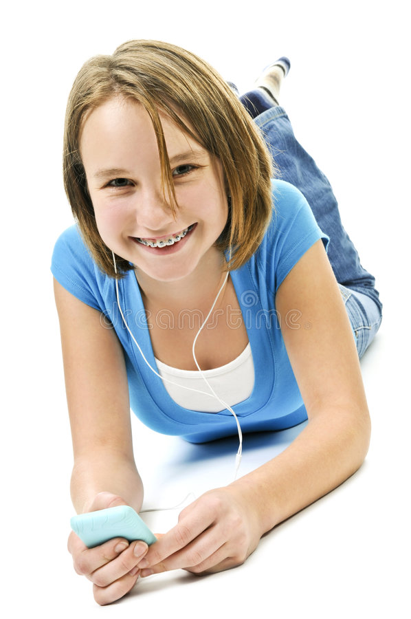 Tiener die aan muziek luistert royalty-vrije stock fotografie