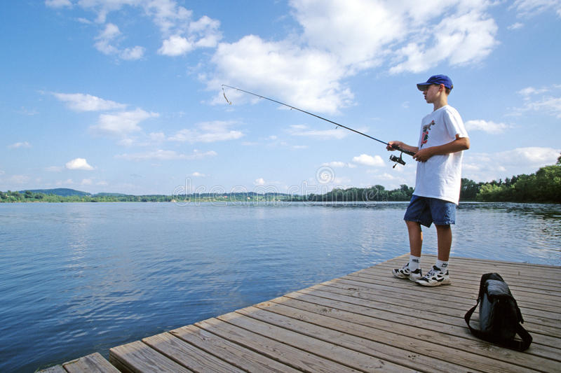 Tiener visserij royalty-vrije stock afbeeldingen