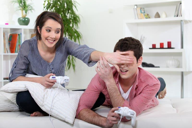 Tieners Die Videospelletje Spelen. Royalty-vrije Stock Foto