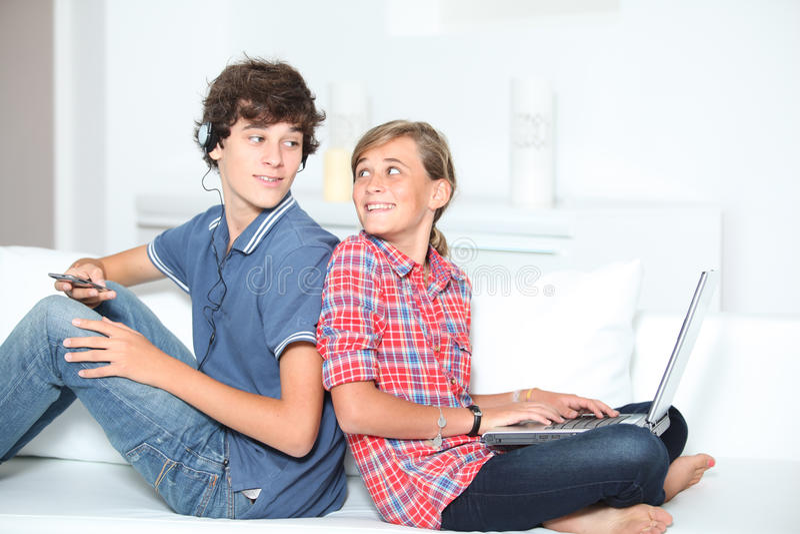 Tieners en technologie royalty-vrije stock foto's