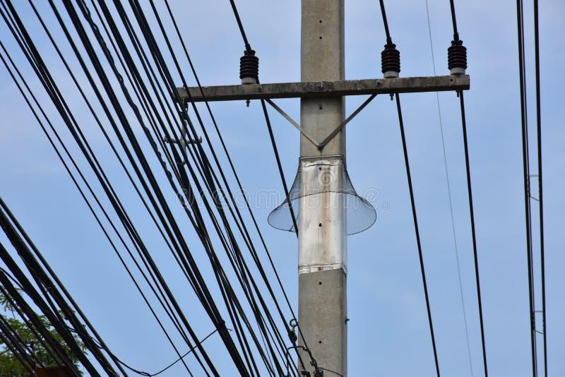 Tierhindernis auf Strombeitrag lizenzfreies stockfoto