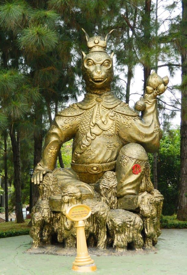 Tierische mystische goldene Statue stockbilder