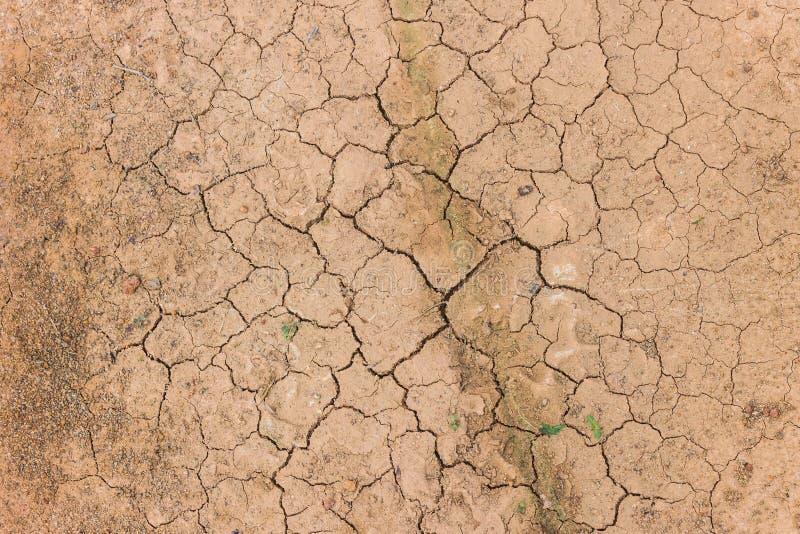 Download Tierra agrietada del suelo foto de archivo. Imagen de geología - 42444474