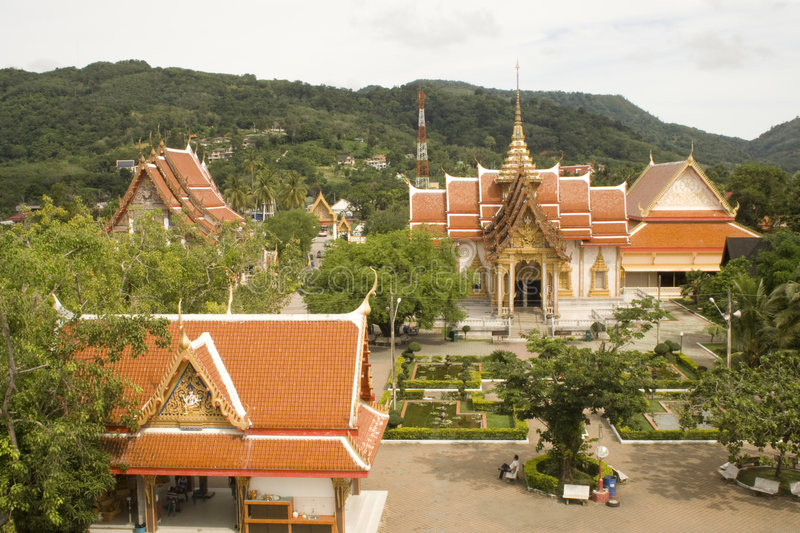 Tierra del templo de Phuket imagen de archivo