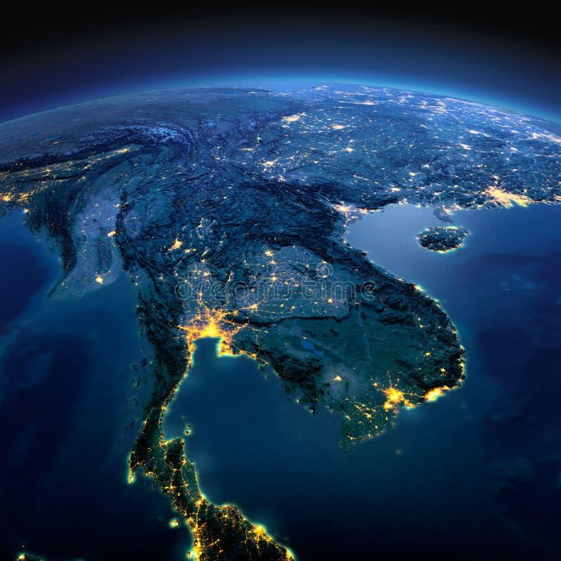 Tierra detallada Pen?nsula de Indochina en una noche iluminada por la luna imágenes de archivo libres de regalías
