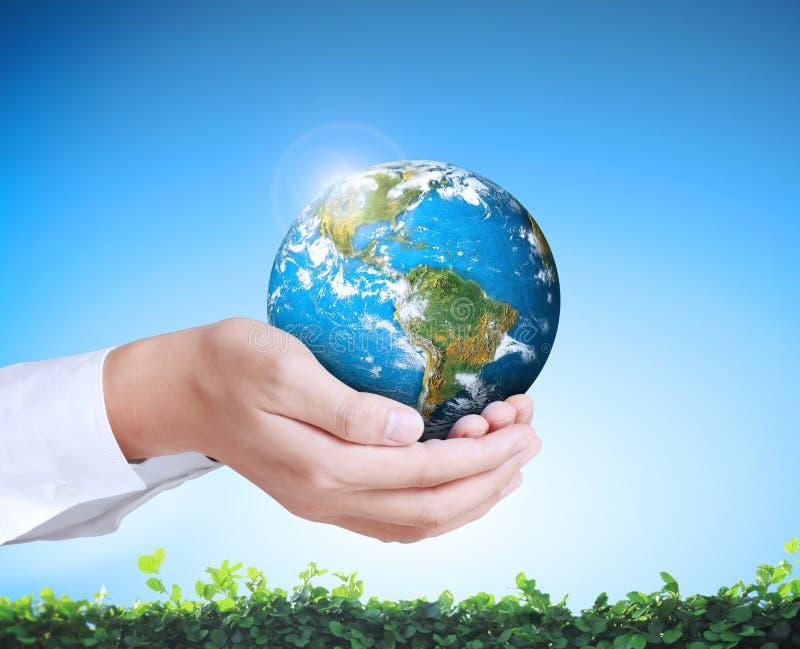Tierra en mano humana libre illustration