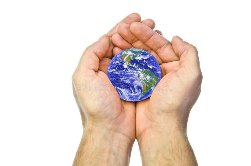 Tierra en manos