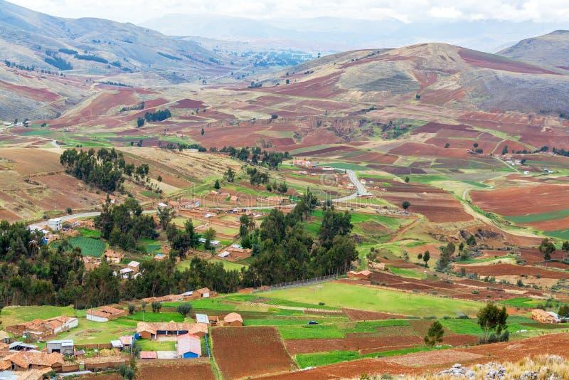 Tierras de labrantío en Perú imágenes de archivo libres de regalías