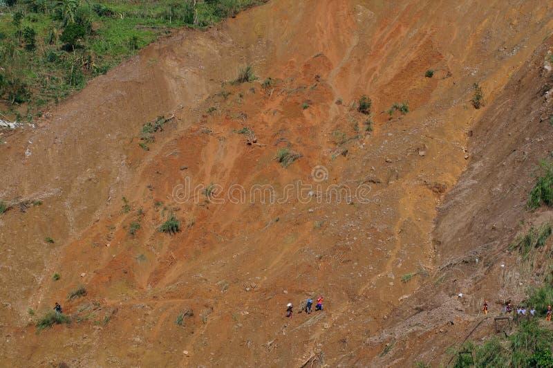Tifón Ompong Mangkhut Filipinas de la tragedia del derrumbamiento de Ucab Itogon Benguet fotografía de archivo
